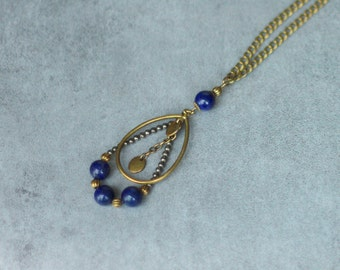 Necklace necklace lapis lazuli, pyrite and bronze
