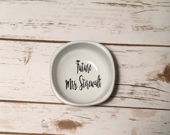Future Mrs. Ring Dish, Bridal Shower Gift, Engagement Party Gift, Engagement Present, Bride To Be
