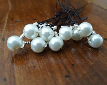 White pearl hair pins Bridal hair pins White pearls Wedding hair Wedding pearl hair pins Bridal hair Wedding hair accessory