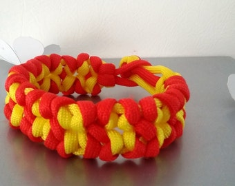 Bracelet Paracord in shades of red/yellow braiding tiki