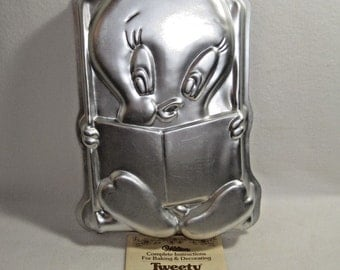Wilton 1978 - Tweety Bird Cake Pan #502 7687