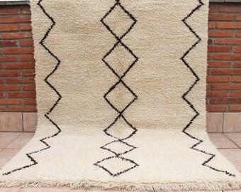 Carpet Beni Ouarain 200x135cm. Carpet Moroccan Beniourain. Berber rug Beni Ourain.