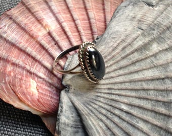 Vintage sterling silver and hematite ring