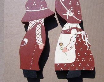Country Wood Cut Outs Bonnet Girl And  Straw Hat Boy pieces