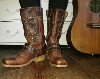 Brown leather Western/biker boots size 6