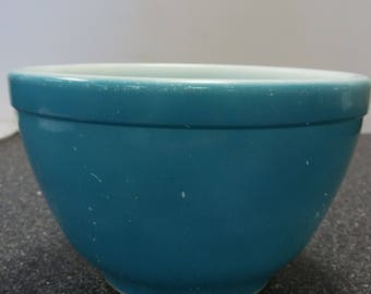 Pyrex Blue Unnumbered Primary 1 1/2 PT. Bowl