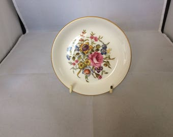 Royal Worcester pin dish , collectables , pin dish , bone china , floral decoration , gilding around the edge , royal worcester back stamp