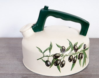 Kettle decorated old aluminum pattern Olives