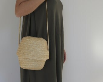 Straw purse with strap, straw tote, crossbody bag, small purse.