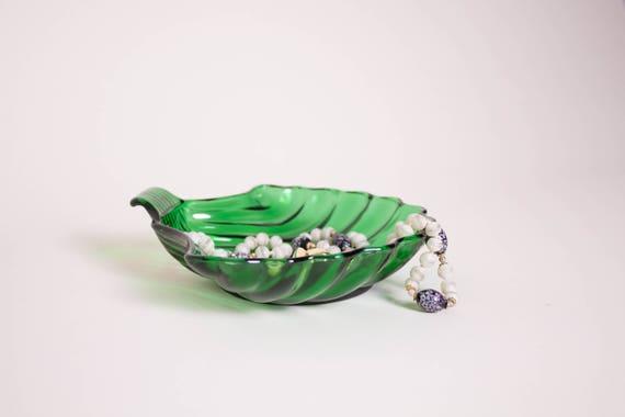 Vintage Emerald Green Seashell Jewelry Dish Catchall
