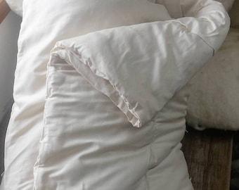 Wool Comforter, Twin