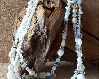White 3 string glass bead necklace