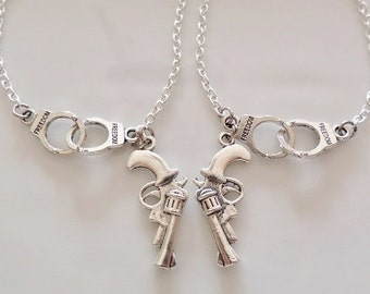 Partners in crime Necklaces, pistols and handcuffs necklaces, set of 2 necklaces, best friends gifts, Couple set friendship gifts
