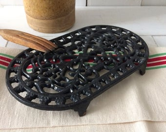 French vintage cast iron oblong trivet, black enamel.French country kitchen living.Copy Era 1930's.Table protection.French old Kitchenware