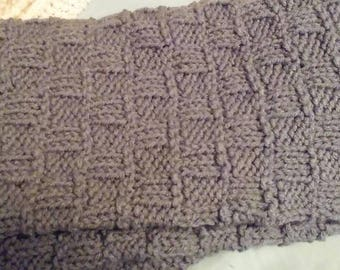 Gray and white knit baby blanket
