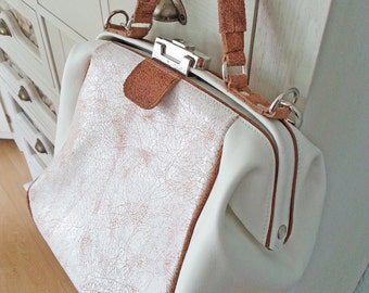 leather doctorsbag, leather doctor's bag, ladies handbag, short handle, shoulder bag, white