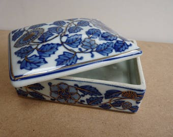 Ceramic trinket box