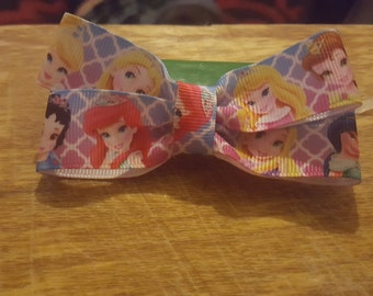 Disney bow hairclip