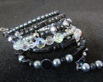 Lovely memory wire wrap bracelet that looks great anywhere you go.