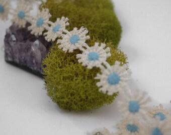 Cream and blue daisy choker