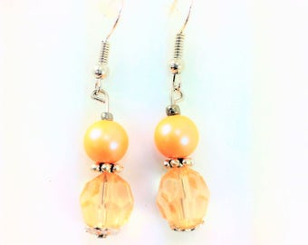Light peach earrings #104