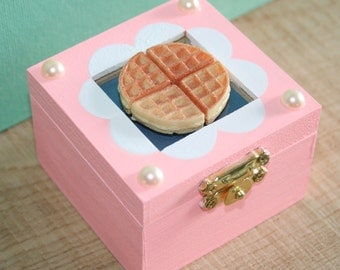 Eleven Hearts Waffles Trinket Box