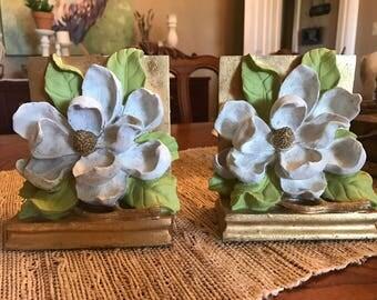 Magnolia bookends
