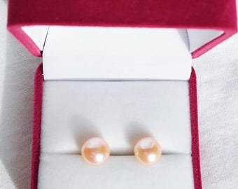 Classic Sterling silver Cream freshwater pearl earrings/studs gift box is available for purchase