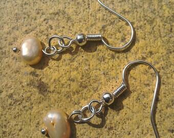 Peachy freshwater pearl simple silver plated earrings