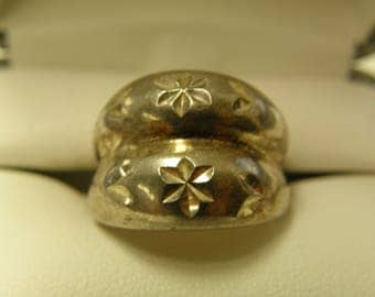 Sterling Silver Floral Filigree Ring  - Size 6 1/2