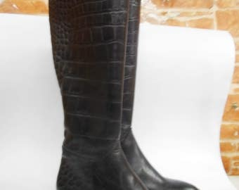 Women's boots are handmade, made to order of the customer from high-quality genuine leather and Italian accessories.