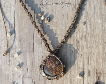 Brown adjustable spiral necklace with a beautiful Leopardskin gemstone