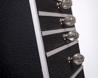 Small cabinet black - Ostrich & glass balls