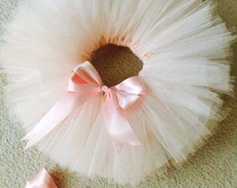 White tutu with pink satin bow (hairbow inc)