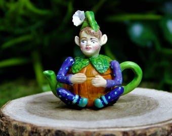 Miniature Fairy Garden Orange Pixie Teapot, Cute Tiny Fairy Figurine 1:12 Scale, Dollhouse Decoration, DIY Charm Pendant Jewelry Supplies