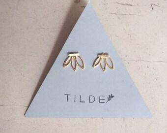 Golden leaf-shaped earrings