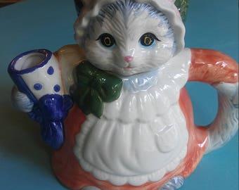Kitty Cat Tea Pot
