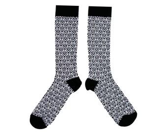 Cotton Socks with a Geometric Arrow print.