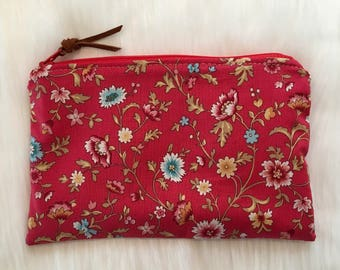 Shimmer Pouch. Red Calico.
