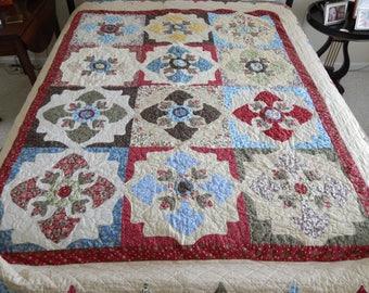 Appliquéd double-bed quilt cover