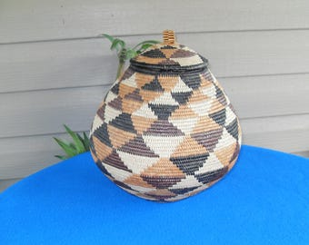 Beautiful Intricate Weaved Basket With Lid