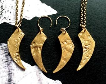 Uncanny Claw earrings/ Bronze/ West