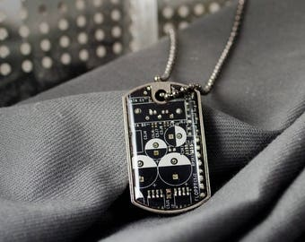 Circuit Board Dog Tag Necklace, Wearable Technology Gift, Upcycled Computer Jewelry, Computer Programmer, Geek Gift, Techie Necklace