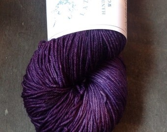Double Knitting Polwarth yarn - 100g superwash DK yarn - hand dyed wool -  hand dyed superwash yarn - UK wool -Aubergine hand dyed
