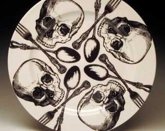 10.5 inch Skull Pinwheel Spiral Pattern Dinner Plate