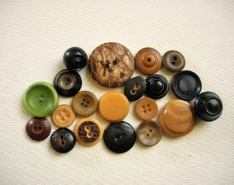 Neat Lot of Various Fancy Vintage Vegetable Ivory Nut Buttons