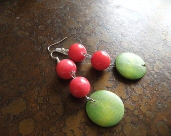 Ripe Glass and Wood Beaded Dangle earrings
