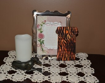 Pot Pouch in a dimensional animal print