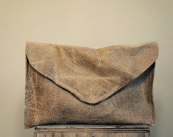 SAMPLE/// Clutch in Weathered Rustic Brown Leather//Clutch// Pouch
