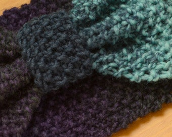 Wide knitted headband in mixed blues